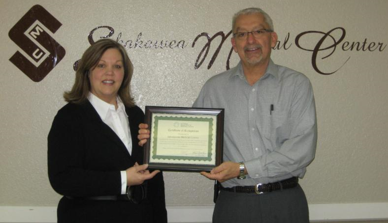 Sakakawea Medical Center CEO accepts CAH Recognition Certificate from the North Dakota Flex Program